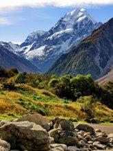 Снежная вершина горы Кука / Снимок сделан в апреле 2011 года на Южном острове Новой Зеландии.