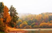 Осенняя рыбалка / ...осень горела вокруг, а у него не клевало...