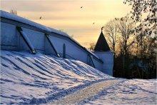 Монастырская  стена... / Вечер... Март... Борисоглебский монастырь в городе Дмитрове.