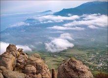 ...пролетая над облаками / Крым, май. 3 вертикальных кадра.