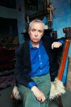 Raymond / London, 2012 ему 69 лет  http://alhimovich.livejournal.com/344863.html больше здесь