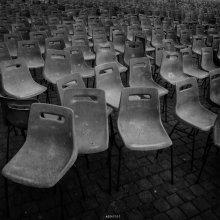 / Рим, точнее Ватикан, стульчики на площади перед собором Св. Петра после выступления Папы...  кстати в Вип ложах - они остались стоять ровными рядами, как по стойке смирно :)  прятного просмотра :)