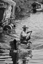 Житель озера Тонлесап / на озере Тонлесап
