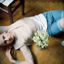 Леся (портрет с ландышами) / Минск, май 2012