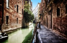 Такая банальная Венеция / Зашли далеко и глубоко, назад бежали быстро. По дороге щелкнул это :)