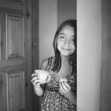 / Одно из любимых блюд детства - овсяное печенье с молоком.