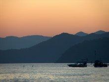 море, вечер, тишина / Чудесные воспоминания остались после поездки на море...