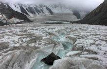 Откуда начинаются реки... / Аккемский ледник.