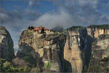 Парящий в облаках... / Греция, Метеоры