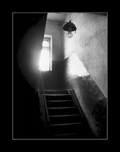 Фотозарисовка / Свет лестница