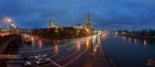 Вечерняя Москва / В Москве, сегодня дождик моросил,весь день!!!!! Панорама из двух горизонтальных кадров. 15 сек,F 11,iso 50,16 mm.(03.11.13 17:36)