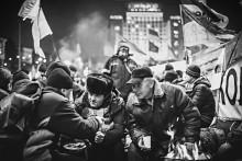 Митингующие / На майдане в это воскресенье  Цветной вариант: https://www.facebook.com/photo.php?fbid=675650105803169&set=a.675649809136532.1073741827.100000745560089&type=3&theater