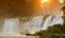 / Ban Gioc (Detian Waterfall)