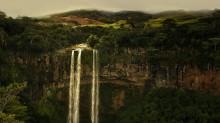 В сказочной стране / Водопад в центре острова Маврикий