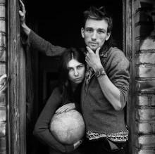 Гриша и Аня (портрет с глобусом) / ******