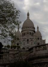 Sacre Coeur. / Sacre Coeur — одна из наиболее посещаемых достопримечательностей Париже. Уникальна, в первую очередь мозаика храма — одна из самых больших в мире. С крыши Sacre Ceour открывается великолепная панорама на Монмартр и Париж на 30 км. Sacred Ceour переводится как святое (священное) сердце. Храм постороен по проекту Abadie — возведение началось в 1875-ом году. Проект Sacre Coeur был отобран на конкурсе среди 78-ми предложений.