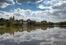 Через пруд / Новодевичий монастырь
