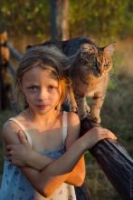 Мэри и Муря / Девочка с кошкой