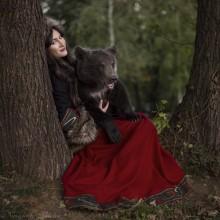 / Анна и медведь.