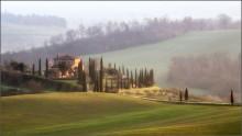 Тоскана / Италия. Тоскана. Рассвет. Окрестности города Кьюзи.   март 2014