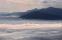 / Карпаты, утро на вершине горы Драгобрат