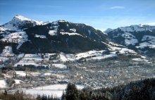 австрийский городок / вид на город с горы
