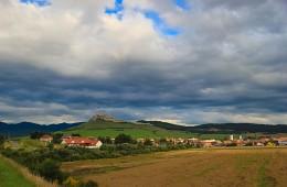 Словакия / Словакия, малые Татры, вид на замок 12-го века.