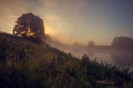 Рассвет на реке Сестра. / Ранним утром на реке Сестра.Московская область.