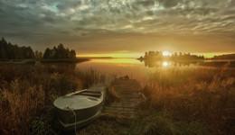 ..на рассвете.. / ...рассвет...озеро..,тишина..