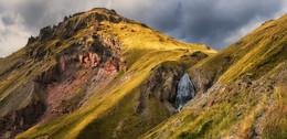 """По дороге к водопаду / Водопад """"Девичьи косы"""" Расположен на высоте 2750 м на склоне Эльбруса. Высота водопада - 30м  http://www.youtube.com/watch?v=xED829YaqOY"""