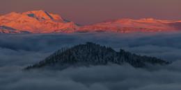 """Когда """"Драконы """" всплывают / однажды утром в горах кавказа"""