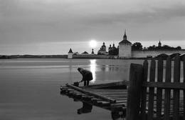 Кириллово-Белозёрский монастырь при закате солнца / 1975г.