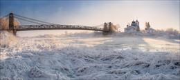Знойный полдень .. / Псковская обл., г.Остров. Церковь Николая Чудотворца на р.Великой.