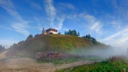 Утро туманное / Туман накрыл землю Тонкой своей вуалью…(с) Город Чердынь, Пермский край  2012 год
