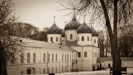 Вне времени / Великий Новгород, Свято-Юрьев монастырь, Крестовоздвиженский Собор