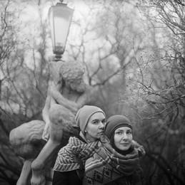 Даша и Лена (портрет с фавном) / Варшава, 2016
