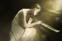 Пианистка / Модель: Юлия Лебедева