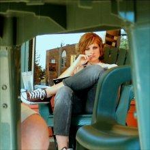 I Spy / Снято в двух шагах от девушки из-под стола. Абсолютно спонтанно, без постановок, девушка незнакомая.