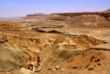 """""""Высадка Армстронга"""" / Говорят, американцы доснимали выход Армстронга на Луну в Негеве, Израиль. На Луне они побывали, но снять толком якобы не удалось. Когда смотришь в объектив, веришь в эту историю:)"""