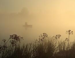 Без названия / утро и его рыбак