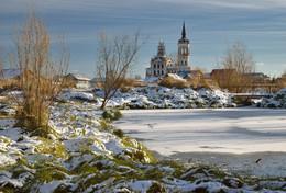 Октябрьский снежок. / Крестовоздвиженская церковь (Тобольск)