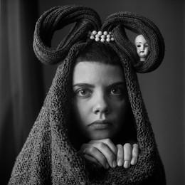 Таня (портрет с Люси) / Витебск, 2016