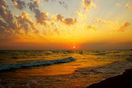 Золотой закат / Черное море