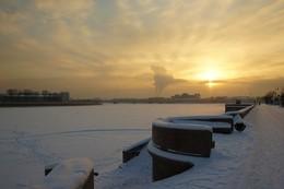 Морозное утро... / Утренний свет Большого дома