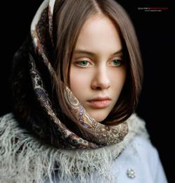 Глаза - зеркало души. / Студийный портрет девушки.