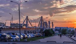 Вечером, возле Крымского моста / Москва