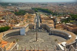 Взгляд из Ватикана... / Вид на площадь Святого Петра с собора Святого Петра...