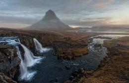 Kirkjufellgoss (Водопад Церковной Горы) / Самое известное место в Исландии.