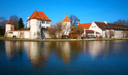 По Баварии / Дворец Блютенбург недалеко от Мюнхена