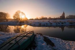Лодка, солнце и вода, церковь, тишина, природа... / Март 2017